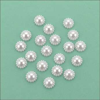 Flat Backed Pearl Medallion 8 mm white